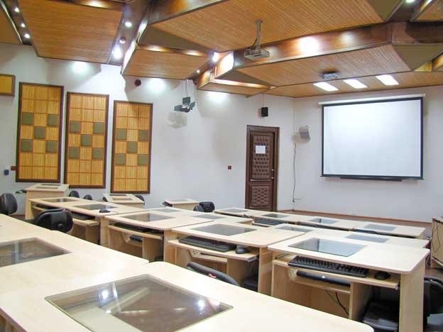 سالن همایش پردیس بین المللی دانشگاه صنعتی شریف