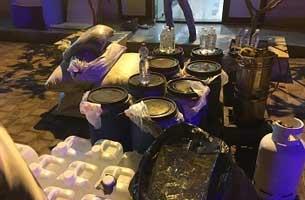 انهدام یک کارگاه ساخت مشروبات الکلی در کیش