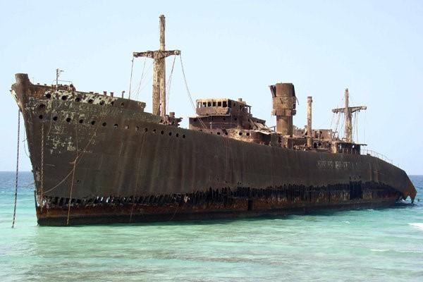 جاذبه های گردشگری کیش کشتی یونانی