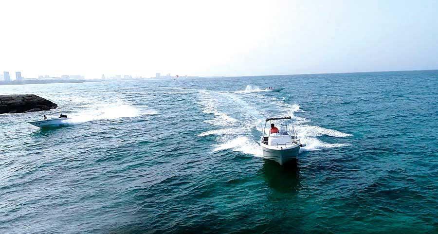 قایق تفریحی در کیش